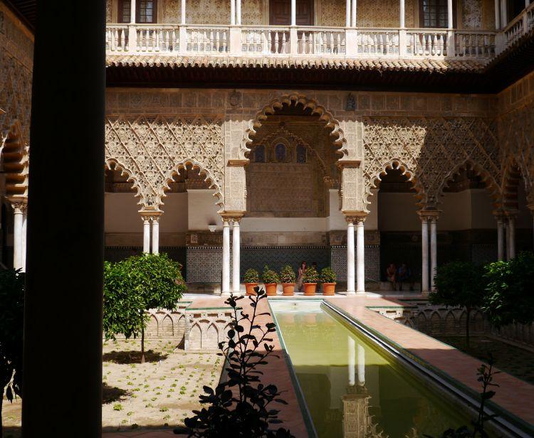 Tour inside the Royal Alcazar