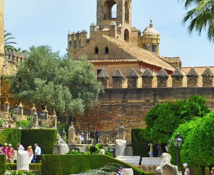 Tour of the Jewish qarter and Alcazarof Cordoba