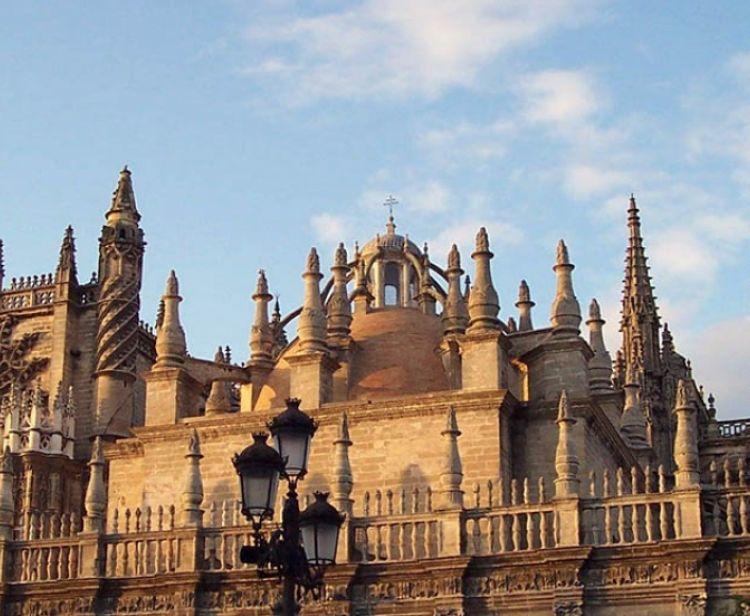 Catedral, Giralda y Plaza de Toro