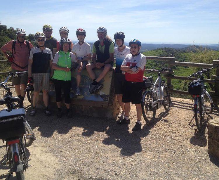 Tour en vélo à travers plusieurs villages à Séville