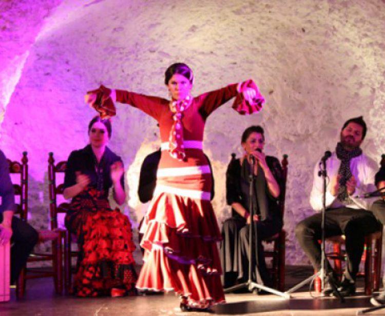 Flamenco+consommation dans les grottes du Sacromonte