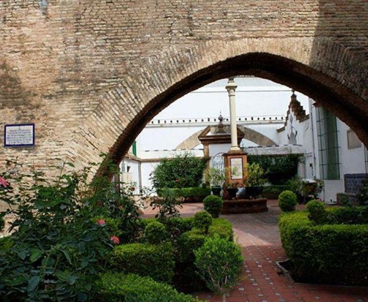Visite de Casas Palacio : Las Dueñas, Hospital de la Caridad, Casa de Salinas