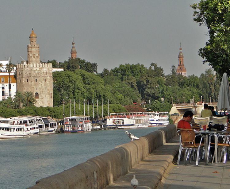 Tour Privé à Séville Triana et Quartier Santa Cruz