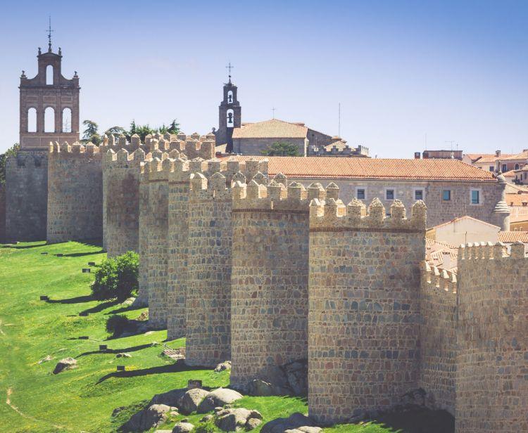 Excursion d'une journée de Salamanque à Ávila et arrivée à Madrid