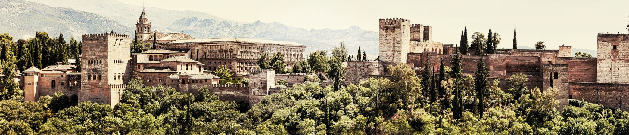 6 Reasons to visit the Alhambra
