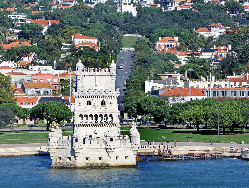 Lisbon in 400 words