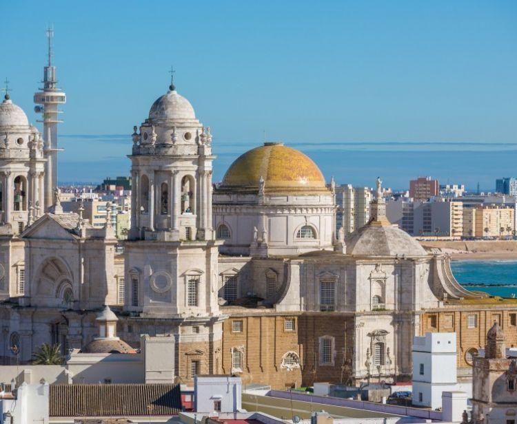 Monumental free tour + Cathedral of Cádiz