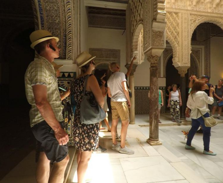 Tour inside the Royal Alcazar + Cathedral & Giralda