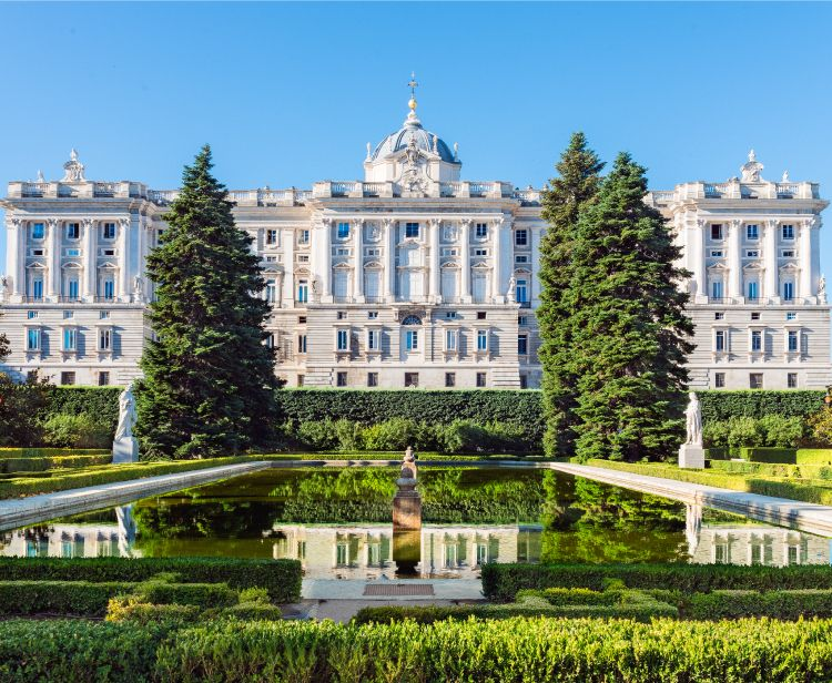 Private tour: Royal Palace